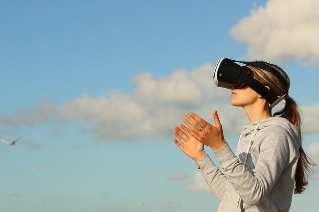 What Is The Ease That We Have Got With The Help Of Virtual Reality Technology?